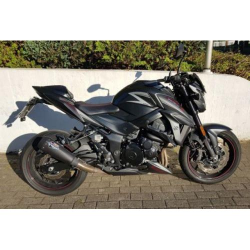 Suzuki GSX-S 750 Black Fighter